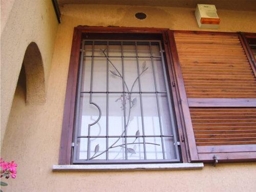 grata fissa per finestra