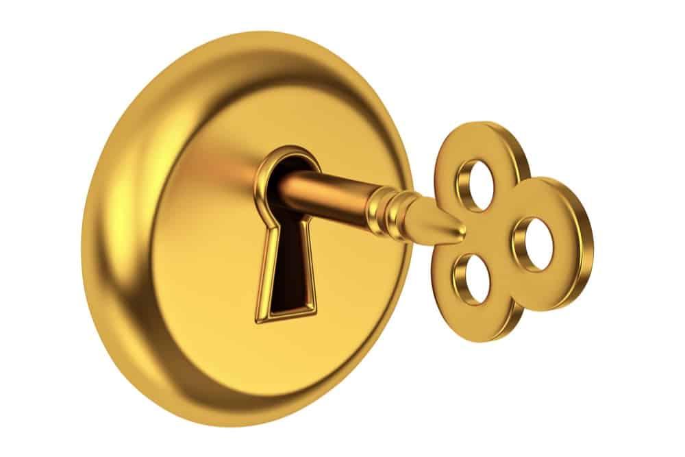Defender e serratura proteggi casa con sistemi di sicurezza efficienti
