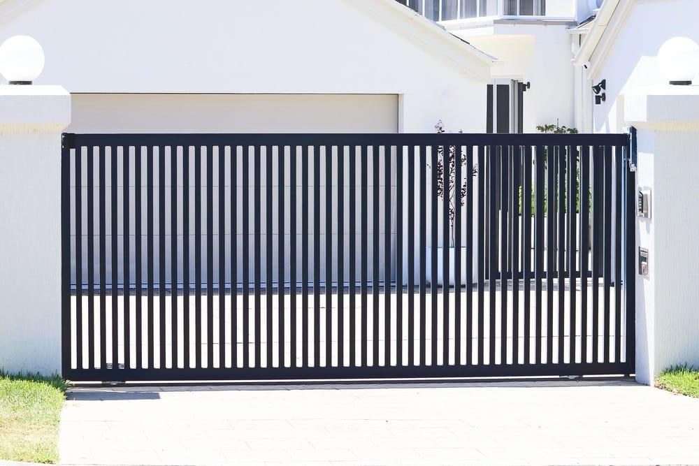 Serratura per cancello scorrevole come sceglierla per proteggere la propria casa
