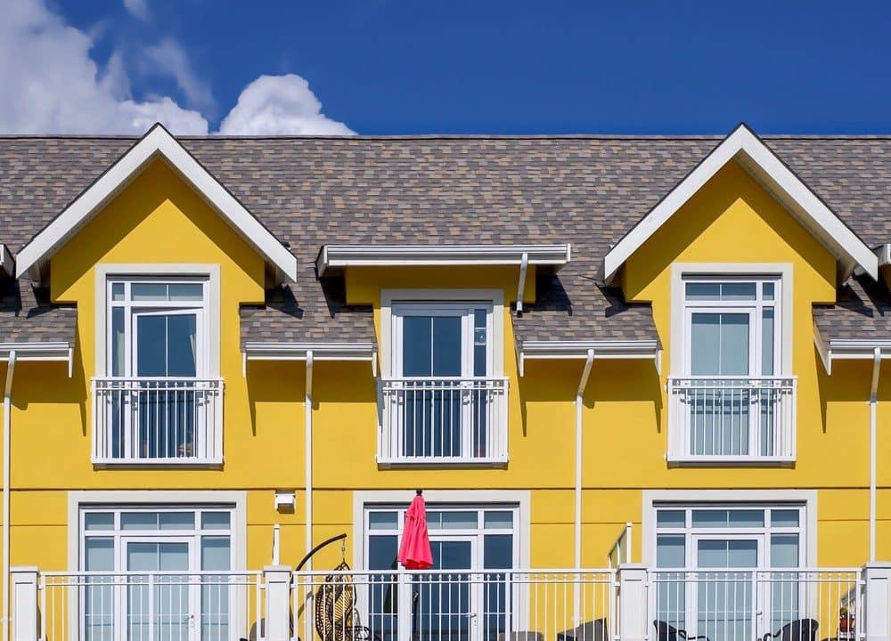 Focus sull'installazione inferriate condominio tra regole condominiali e Codice Civile