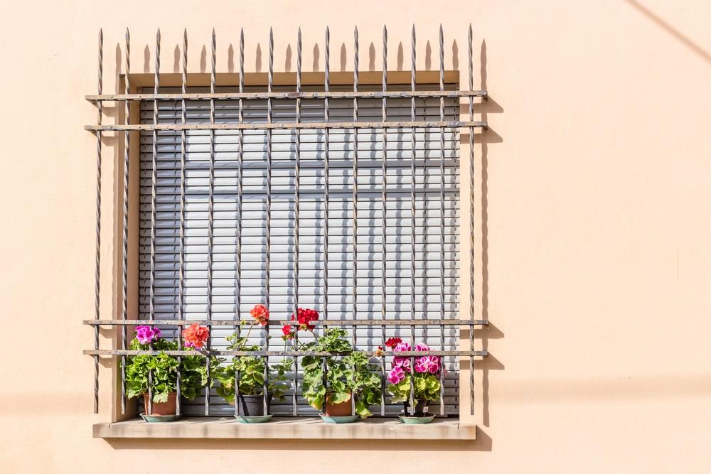 Grate di protezione per finestre tutto quello che serve sapere per difendere la vostra abitazione